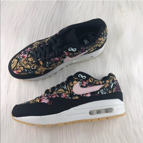187245c185bbe Women s Nike Air Max 1 QS Floral Sneakers